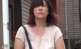 Japanese babe caught shitting in public