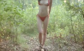 Naughty college girl undressed to pee outdoor