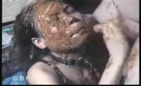 Dirty thai slut smearing poop on her entire face
