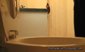 BBW babe shitting in toilet