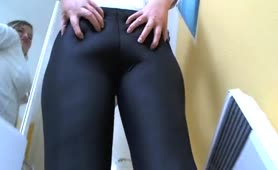 Great view of a blonde babe shitting